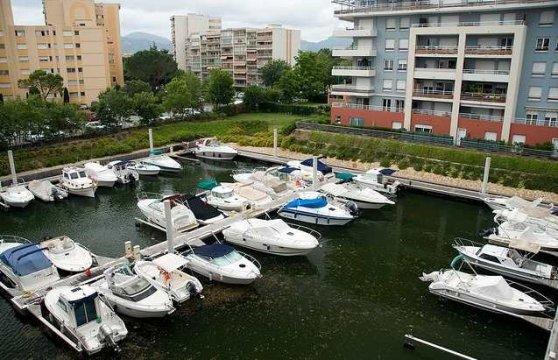 Photo Marina Parc Place de port 2